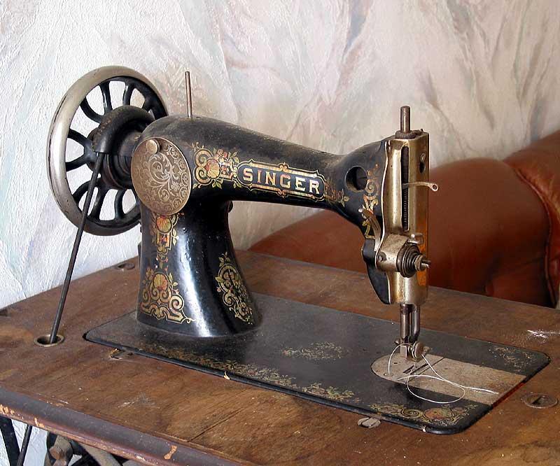 Singer_sewing_machine_goto[1]