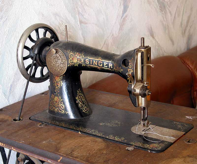 Singer_sewing_machine_goto[1]